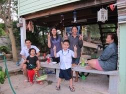 Thai Thai and family